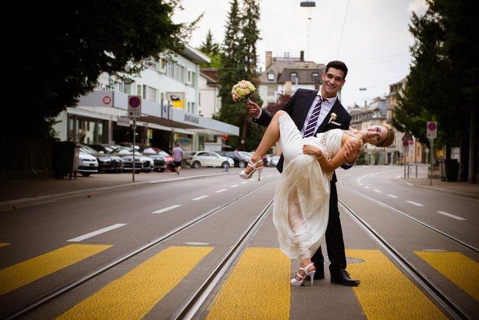 civil wedding in zurich - wedding photographer zurich